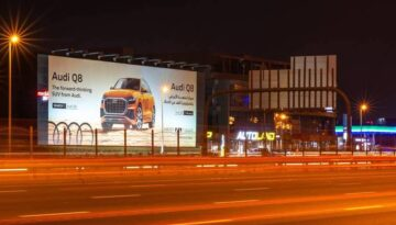 billboards vs hoardings what is the difference